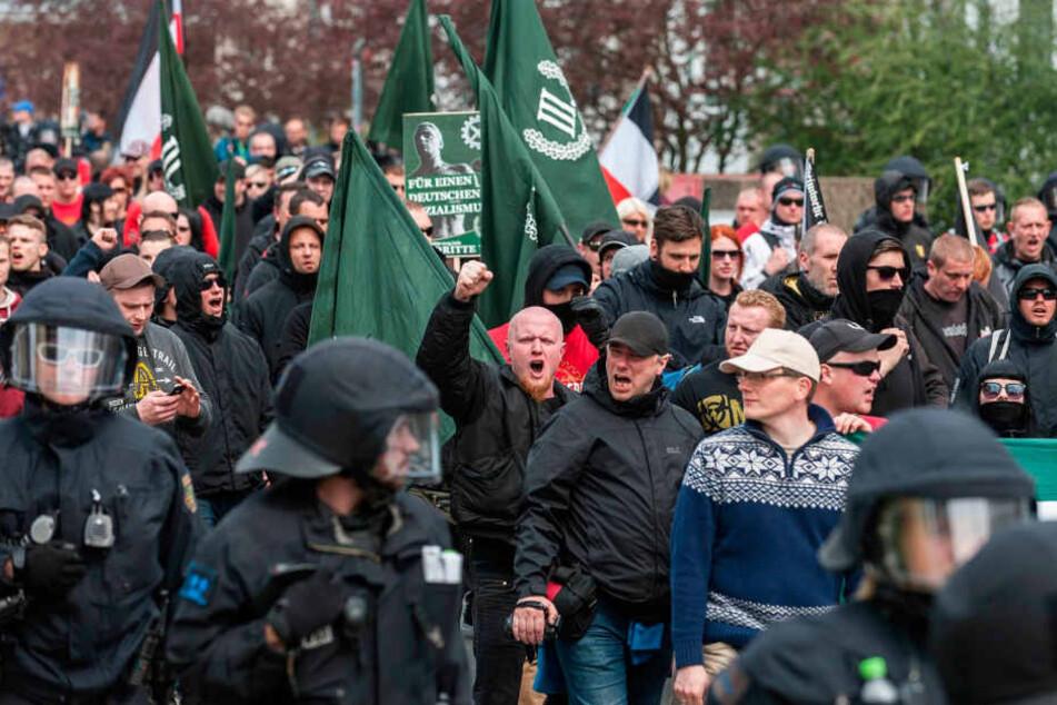 Wie hier in Plauen macht sich rechte Gesinnung auf Sachsens Straßen immer  breiter.