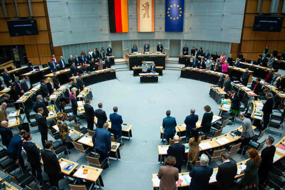Mitgefühl aus Berlin: Schweigeminute für Hanau-Opfer im Abgeordnetenhaus