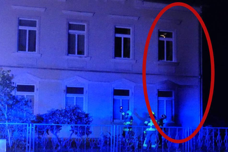 Sitzgruppe vor sächsischem Wohnhaus in Flammen: Polizei verhindert Tragödie