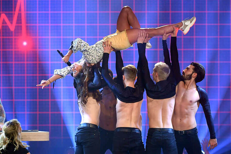 ... und Akrobatik kann sie auch.