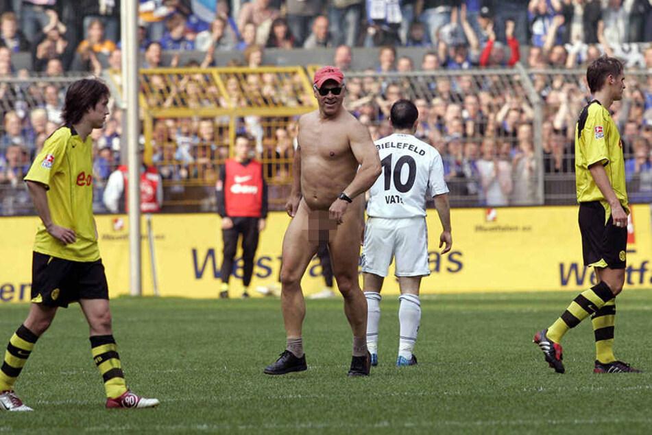 2005 flitzte Ernie durchs Westfalenstadion und sorgte für eine Unterbrechung des Spiels zwischen Borussia Dortmund und Arminia Bielefeld.