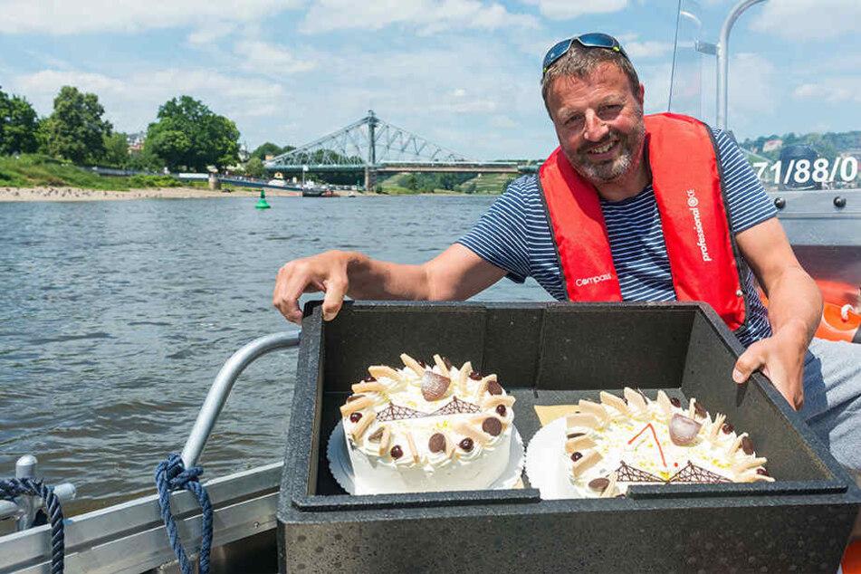 Was machen 60 Torten auf der Elbe?