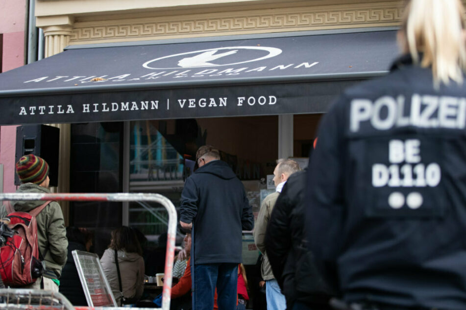 Attila Hildmann offenbar erneut bei Anti-Corona-Demonstration festgenommen!