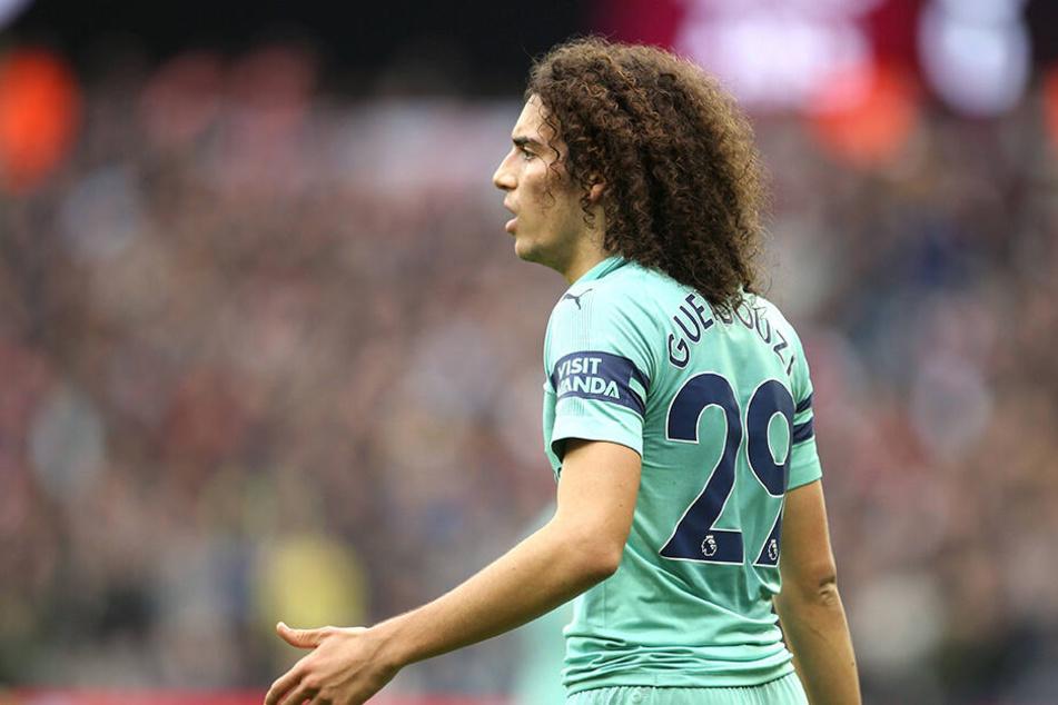 Was für eine Haarpracht! Matteo Guendouzi (19) spielt beim FC Arsenal frech auf.