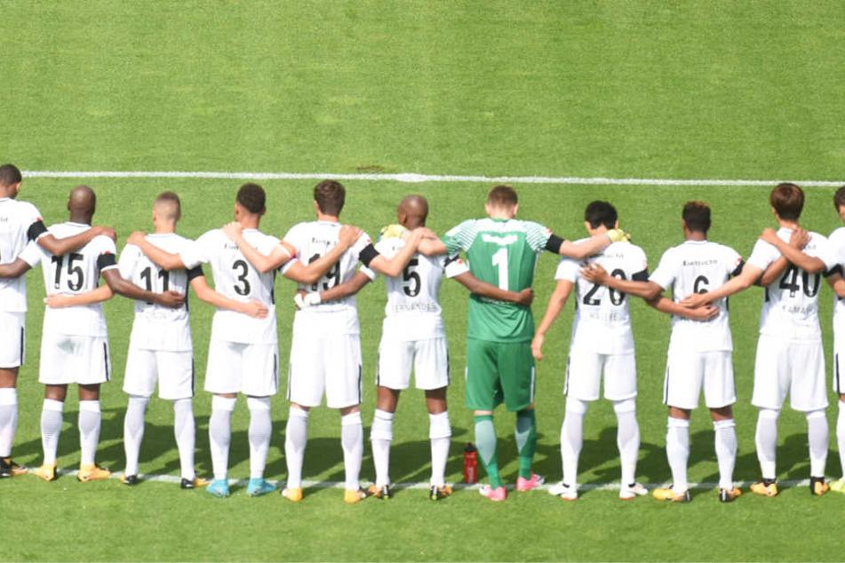 Die Regeln sind eindeutig: Nur elf Spieler pro Mannschaft sind auf dem Platz.