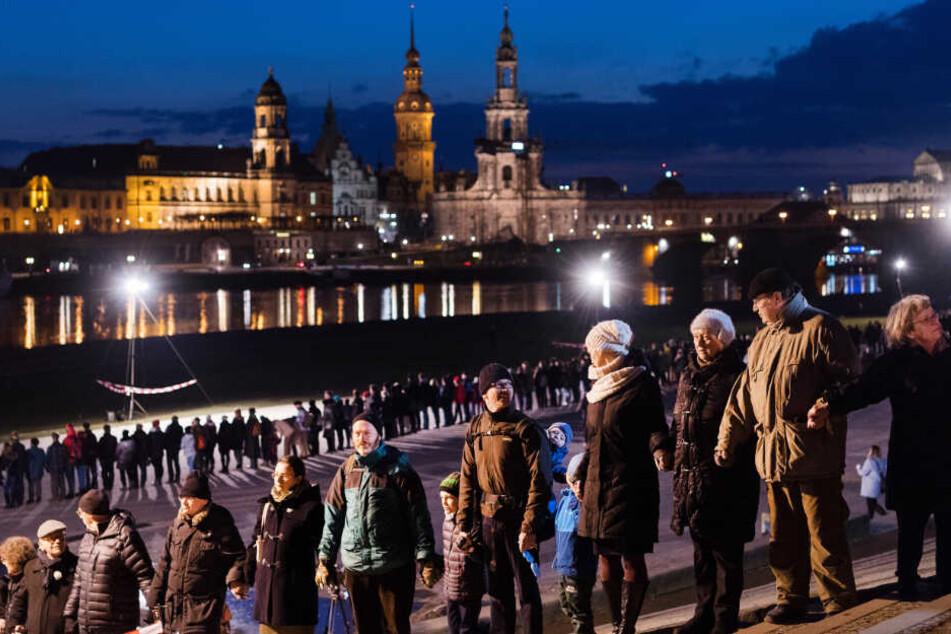Auch in diesem Jahr soll der Zerstörung Dresdens mit einer Menschenkette gedacht werden.