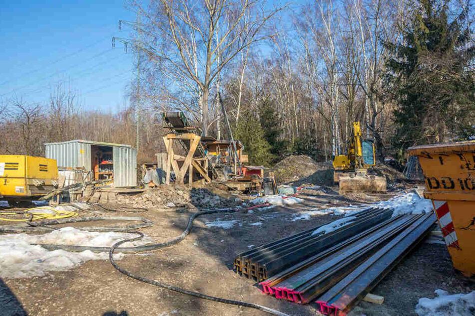 Die Baustelle am alten Schacht in Freital in der Nähe der Collmberghalde.