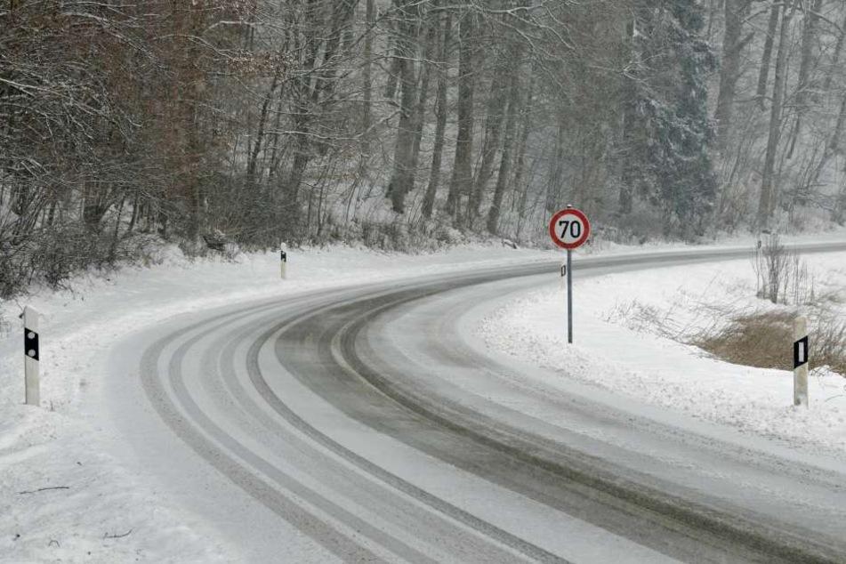 Die Straßen in Thüringen sind teilweise spiegelglatt.