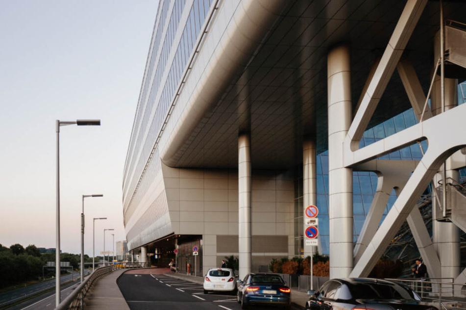 Massenkarambolage am Frankfurter Flughafen: Der Grund macht baff