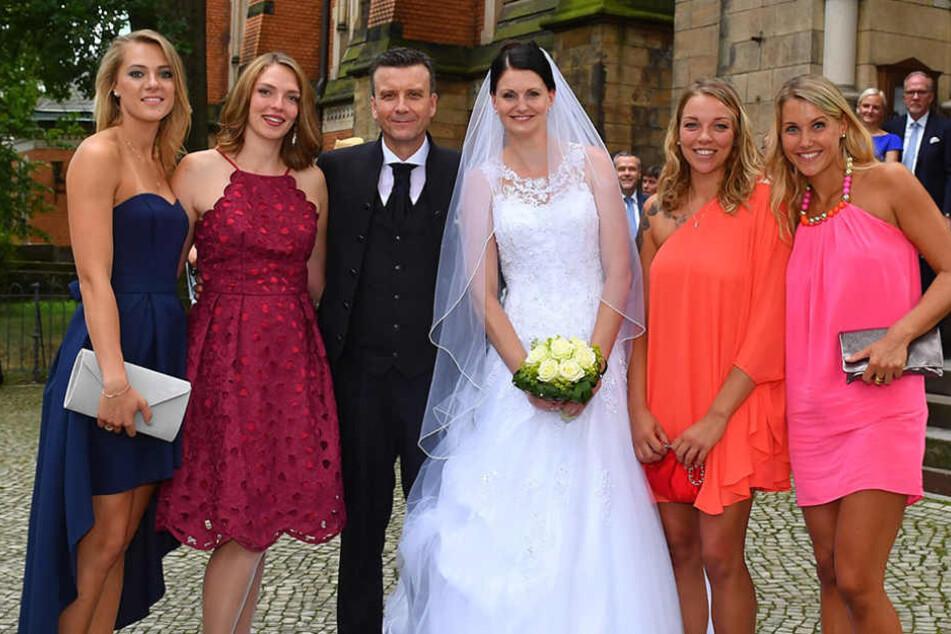 Nach der Zeremonie ging es gemeinsam ins Carolaschlösschen zum Feiern.