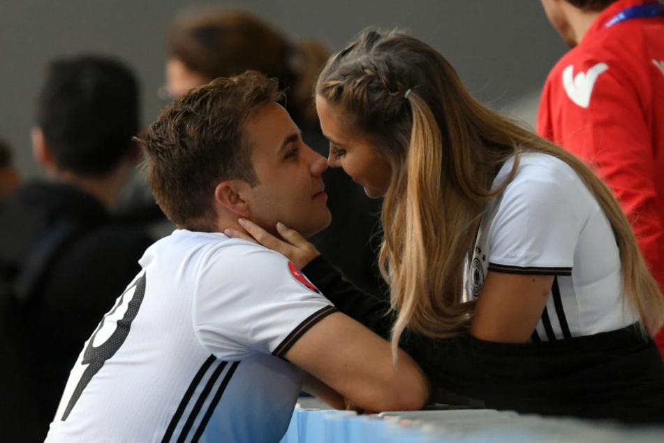 Auch bei der Europameisterschaft in Frankreich 2016 unterstützte Ann-Kathrin ihren Mario.