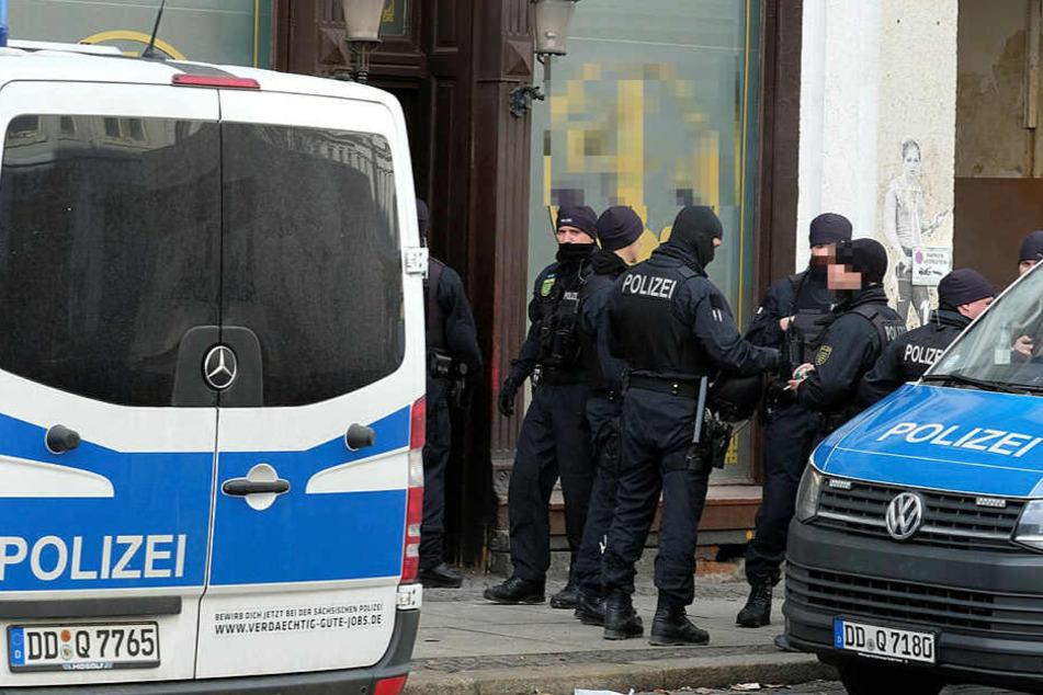 Am Dienstag hatte es einen Großeinsatz von Polizei und Zoll im Leipziger Drogenmilieu gegeben, unter anderem auf der Eisenbahnstraße. (Archivbild)