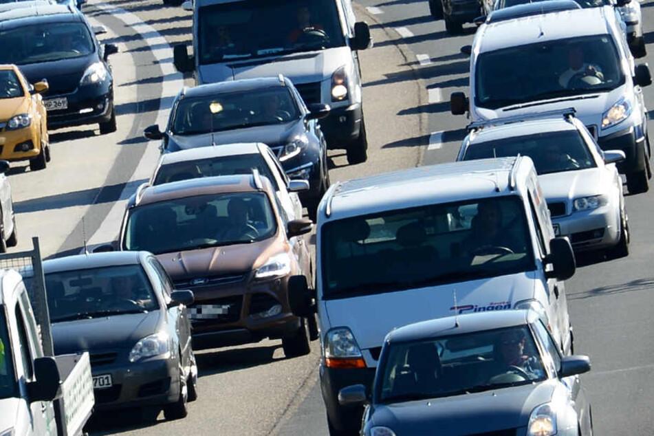 Der Verkehr staute sich auf einer Strecke von circa zehn Kilometern (Symbolbild).