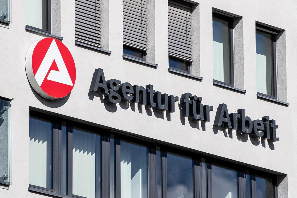 Im Mai waren nach Angaben der Bundesagentur für Arbeit 6,7 Millionen Menschen in Deutschland in Kurzarbeit. Im April hatte die Zahl noch bei 6,1 Millionen gelegen.
