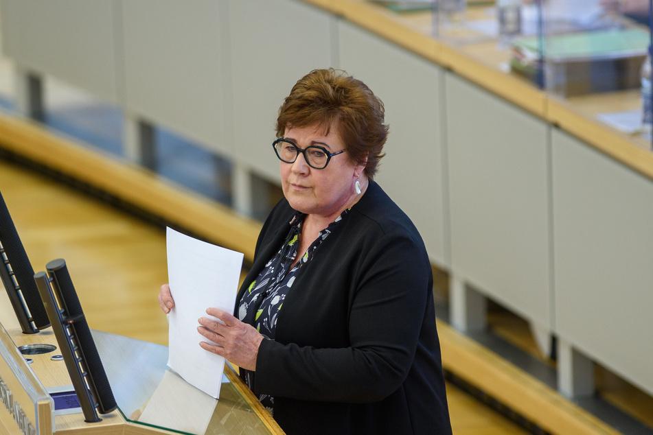Petra Grimm-Benne (58, SPD), Ministerin für Arbeit, Soziales und Integration des Landes Sachsen-Anhalt, wendet sich an die Bürger und Bürgerinnen.