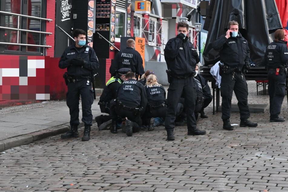 Wegen Bier auf der Reeperbahn: Polizeieinsatz mit mehreren Festnahmen