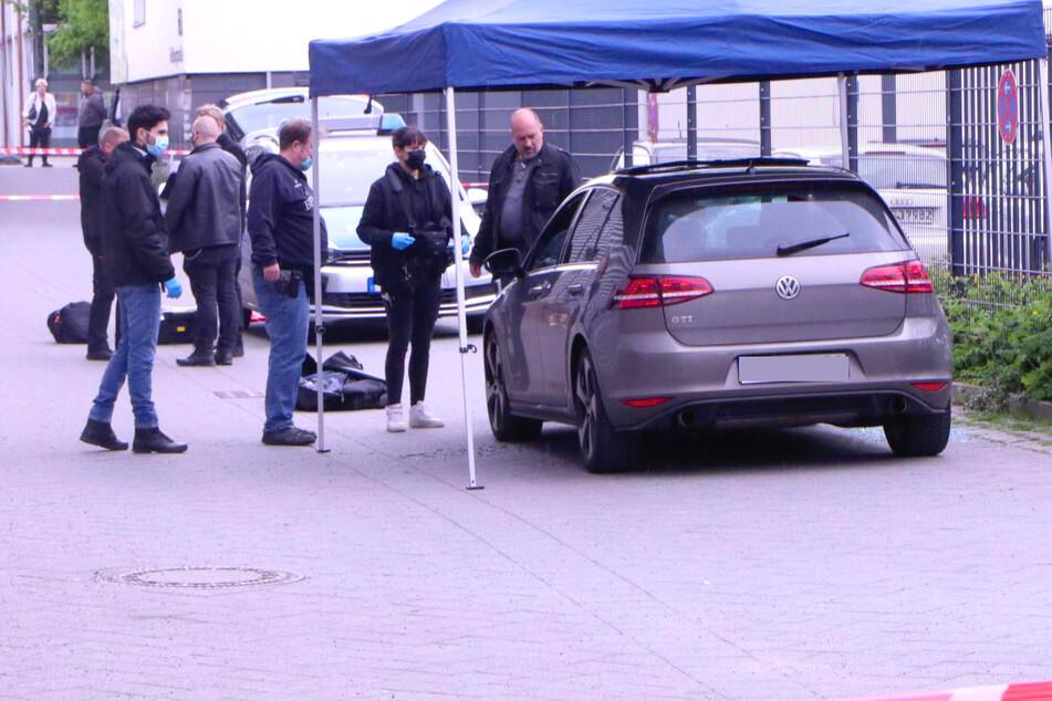 Ein 22-Jähriger wurde in Berlin-Neukölln von fünf jungen Männern angegriffen.