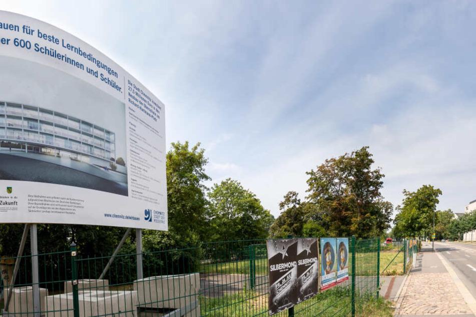 Wegen des Schul-Neubaus am Hartmannplatz steht die Open-Air-Saison 2020 auf der Kippe.