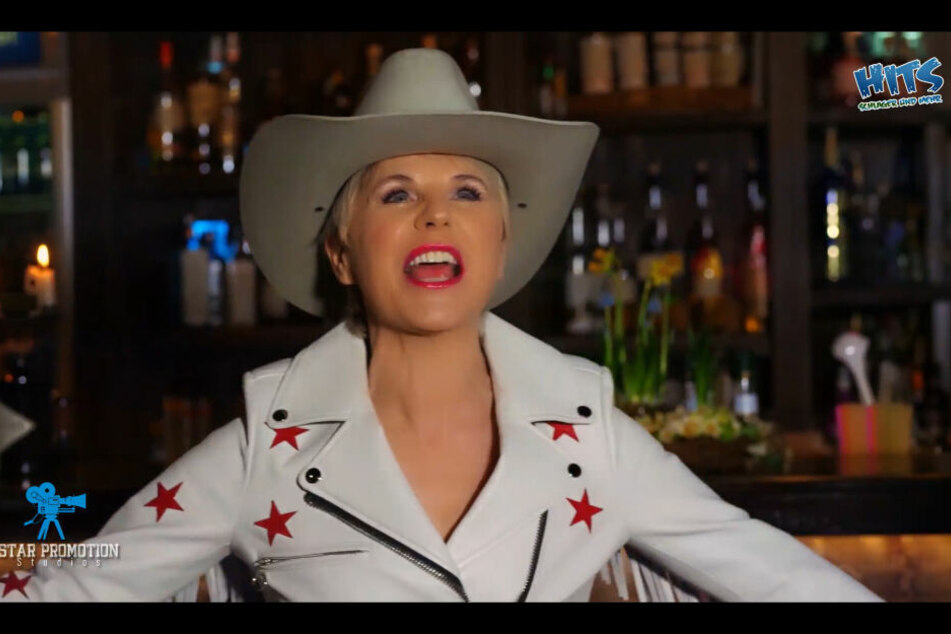 "Hat sich in ""Mr. Texas"" verliebt - Countrysängerin Linda Feller."