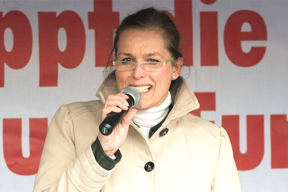 2015 hetzte Tatjana Festerling (54) auf der PEGIDA-Bühne, nun soll sie dafür hinter Gitter.