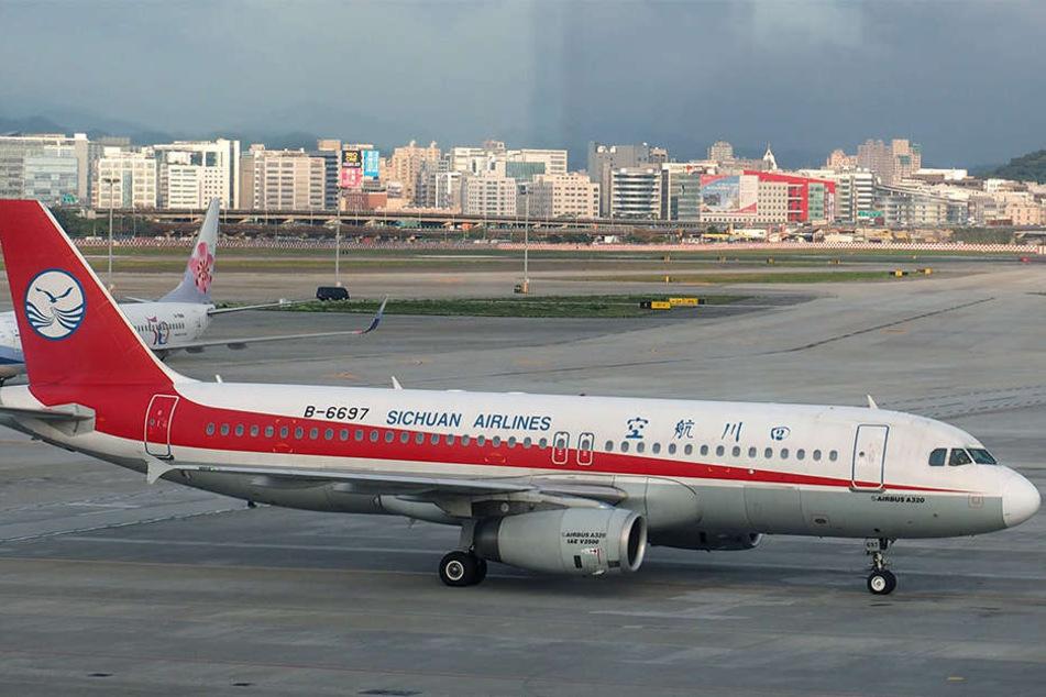 Der Zwischenfall ereignete sich bei einer Maschine der Fluggesellschaft Sichuan Airlines.