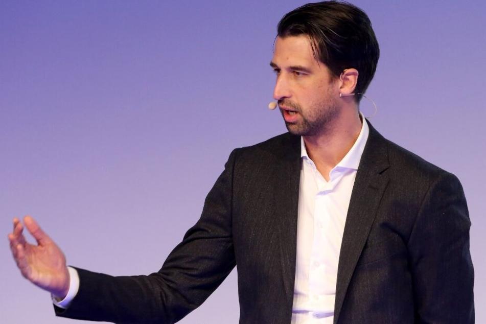 HSV-Sportchef Jonas Boldt lässt sich von dem Druck nicht anstecken.