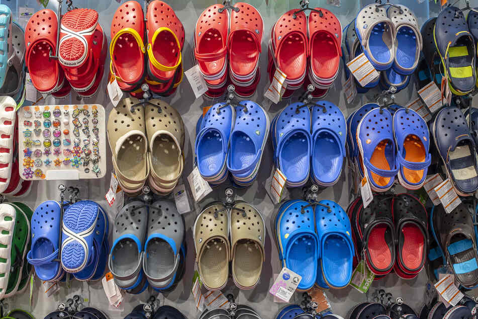 Crocs have made their way back into the mainstream after years of sitting on the ege of popularity.