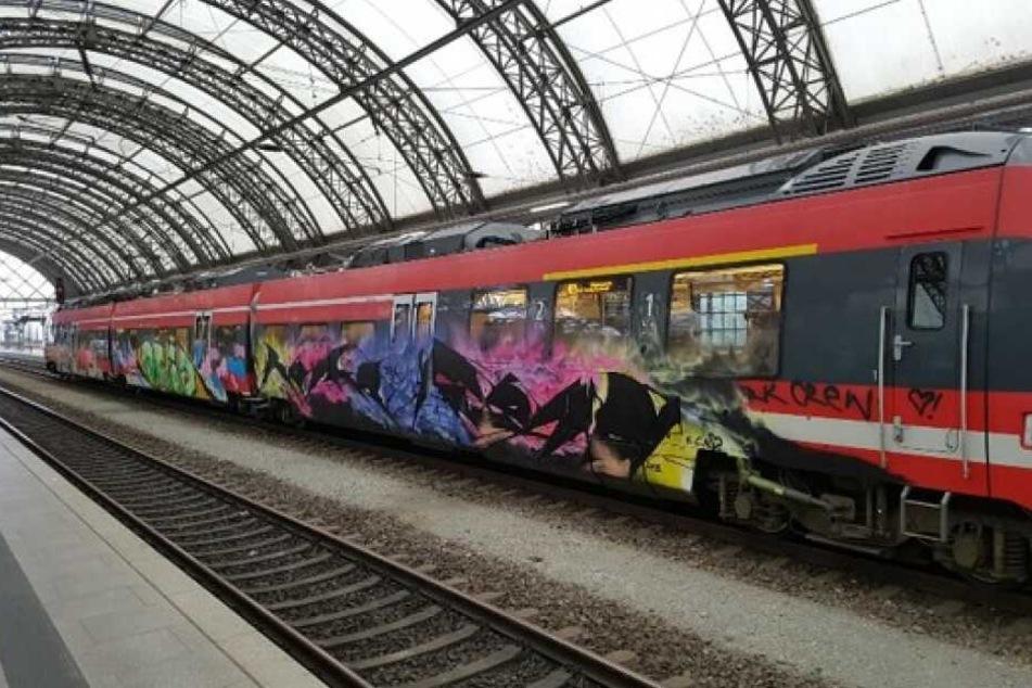 Unter anderem diesen Zug besprühten die Täter.