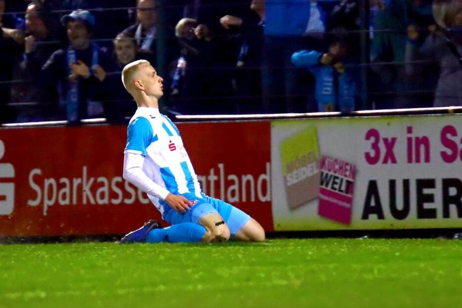 So feierte Pelle Hoppe sein erstes Regionalliga-Tor. Vor einer Woche in Auerbach hatte er Sekunden nach seiner Einwechslung für den 2:0-Endstand gesorgt.