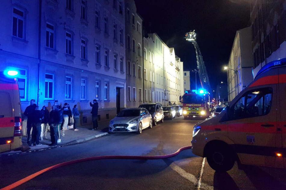 Brand in Markranstädt: Feuerwehr muss Bewohner per Drehleiter retten