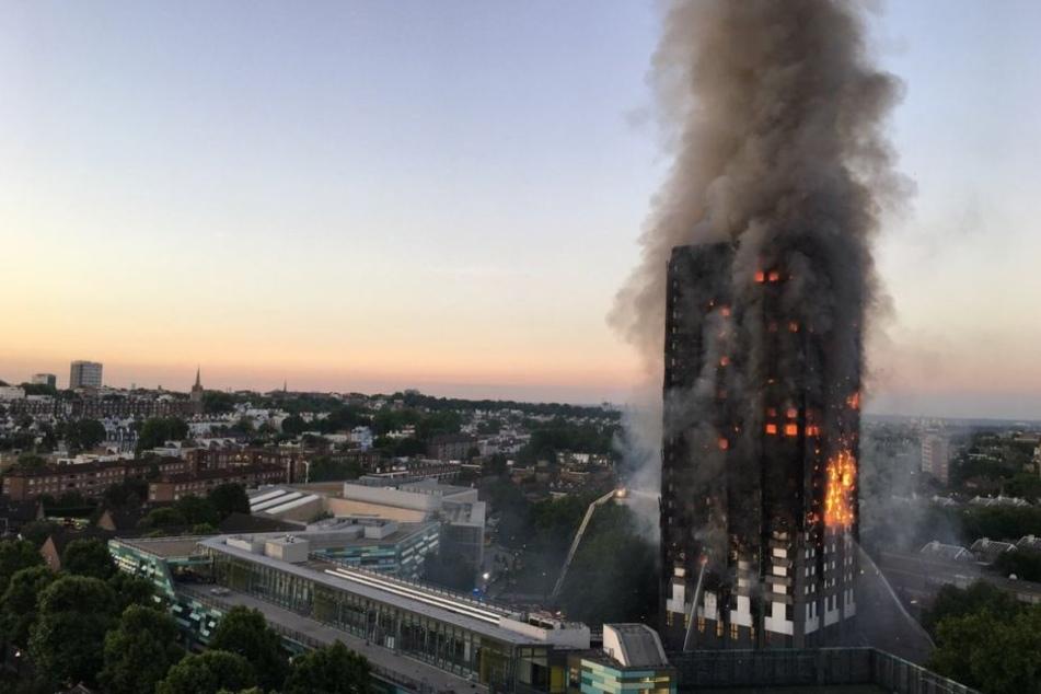 Hochhaus komplett in Flammen: Mindestens sechs Tote!