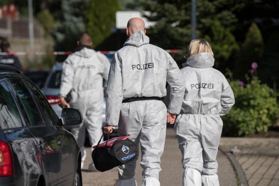 Die Polizei ermittelt, wie es zur grauenhaften Tat kam. (Symbolbild)