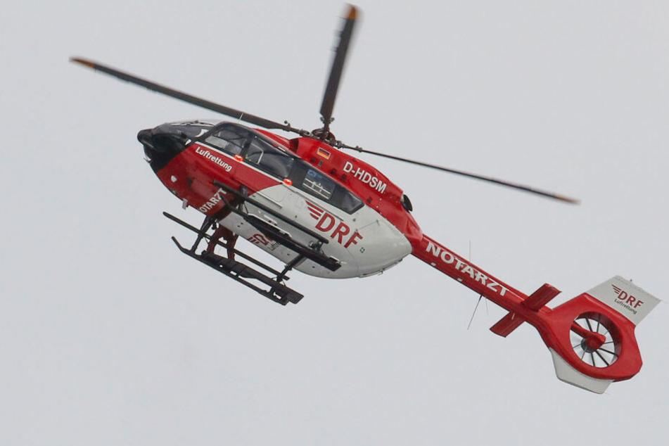 Der Mann wurde lebensgefährlich verletzt ins Krankenhaus gebracht. (Symbolbild)