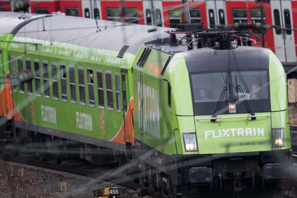 Das Reiseunternehmen Flixtrain erweitert ab Dezember sein Angebot im Bahn-Fernverkehr.