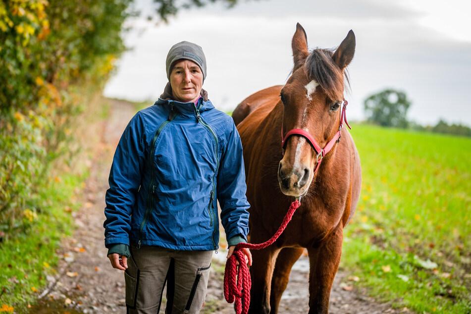 """Nicole Kreusel (44) vom Ponyhof Jägersruh in Euba ist besorgt: """"Reiter brauchen Wege abseits befahrener Straßen."""""""