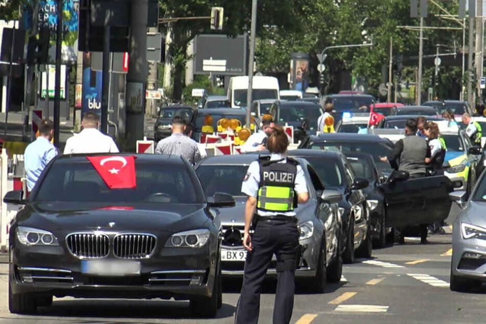 Türkei-Experte wirbt um Verständnis für Hochzeitskorsos