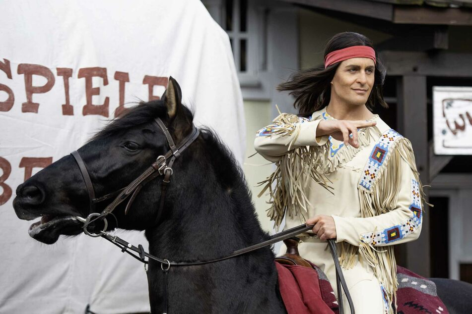 Eigentlich sollte Alexander Klaws (37) als Winnetou auf der Bühne der Karl-May-Festspiele stehen.