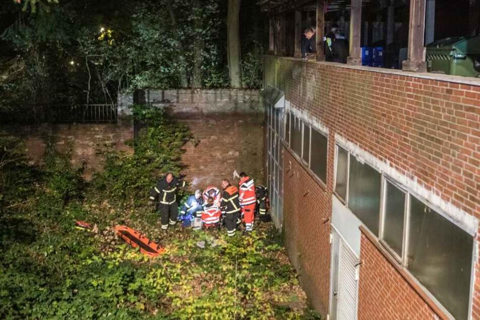Der 17-Jährige stürzte von der Mauer mehrere Meter in die Tiefe.