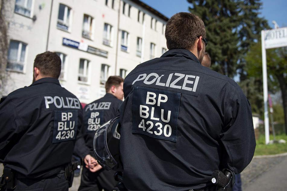 Massives Polizeiaufgebot beim Neonazi-Festival in Ostritz.