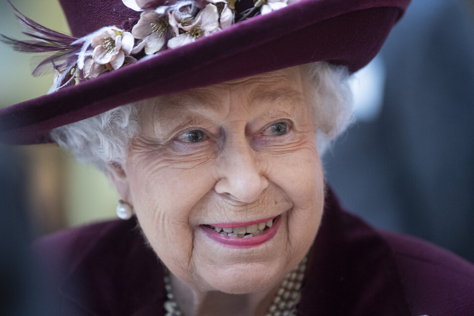 Sitzt mit 94 Jahren weiterhin auf dem Thron: Königin Elisabeth II. von Großbritannien.