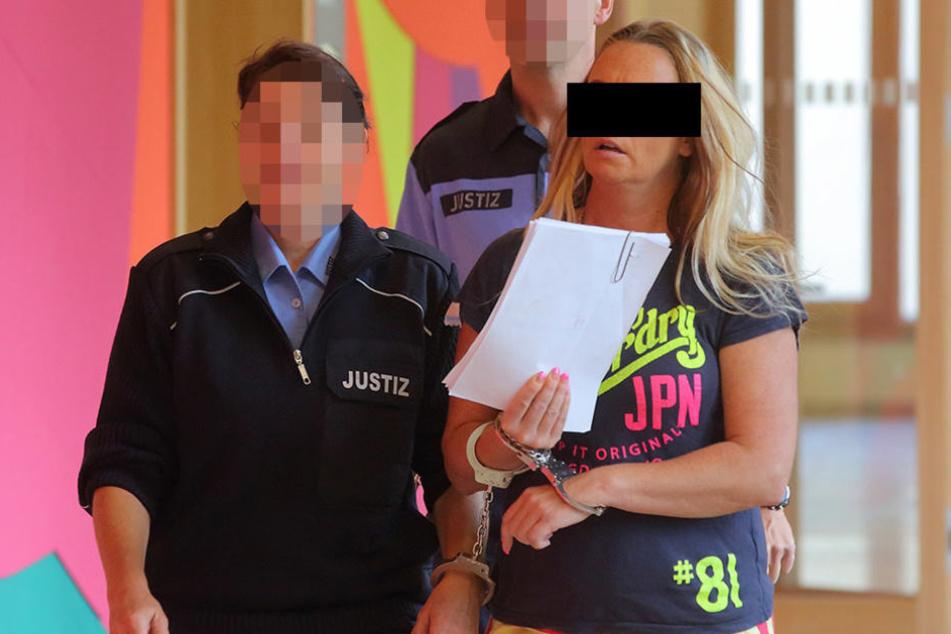 Intimes Versteck: Heike S. (42) wollte ihrem Freund Drogen in den Knast  schmuggeln.