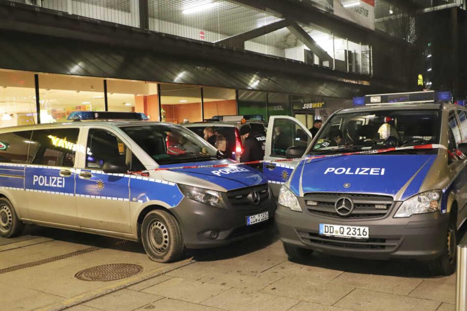 An der Zentralhaltestelle herrschte am Donnerstagabend hohe Polizeipräsenz.