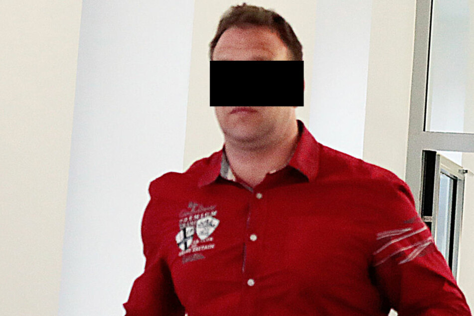 Enrico R. (42) bettelte am Donnerstag vor Gericht, will nicht in die  Psychiatrie.