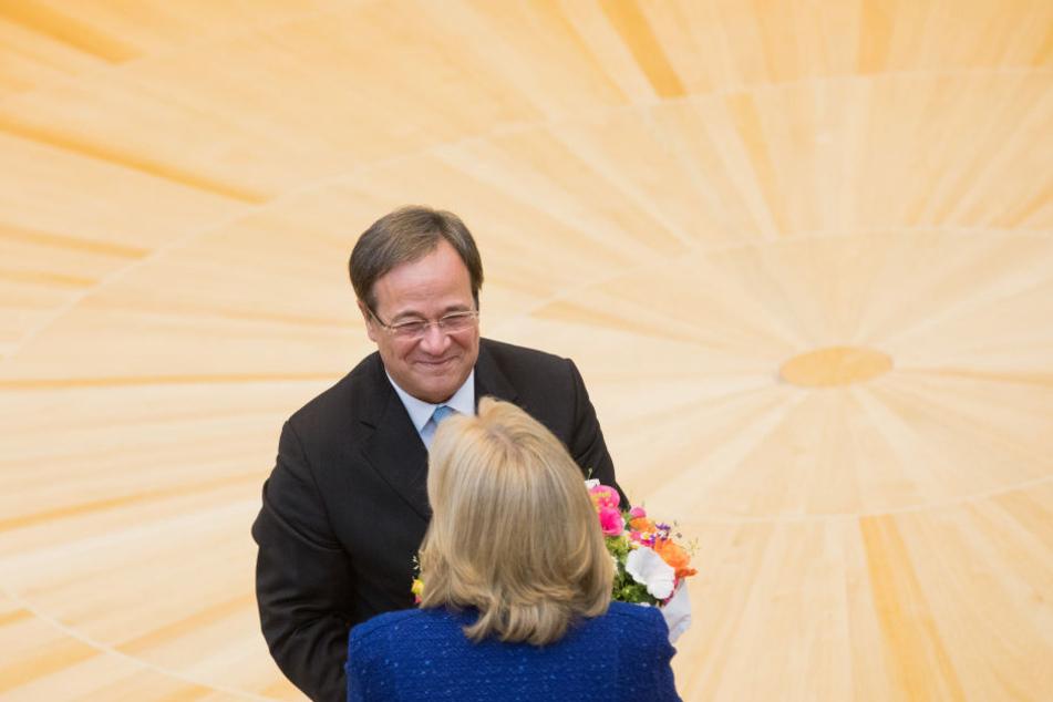 Armin Laschet (CDU) löste Hannelore Kraft (SPD) als Ministerpräsident von Nordrhein-Westfalen ab.
