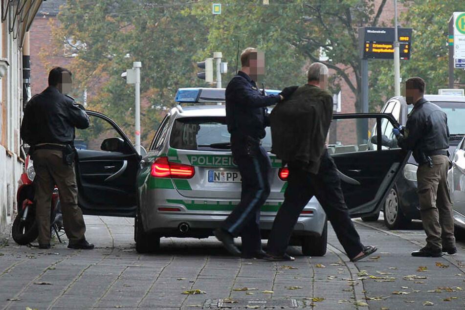 Die Polizei hat am Samstag in Nürnberg einen Reichsbürger festgenommen.