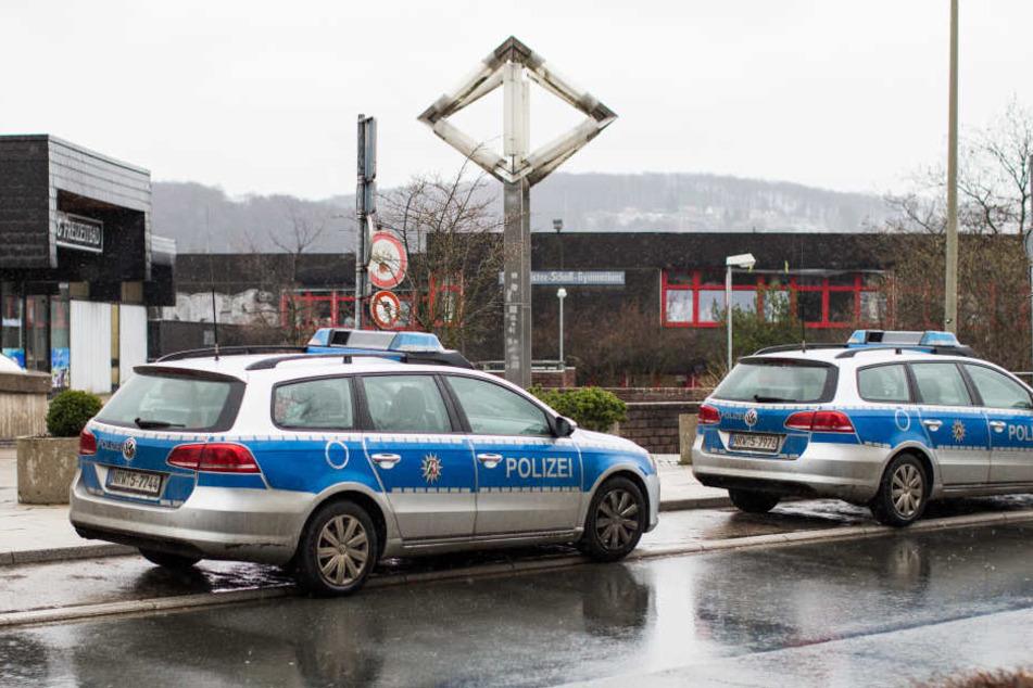 Am Mittwoch hatten Polizisten in Wetter an der Ruhr, nicht weit von Herne entfernt, stundenlang eine Schule durchsucht.