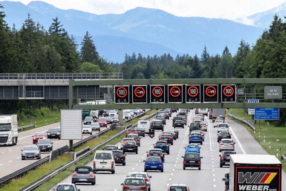 Auch auf der A8 stocket am Wocheneden immer wieder der Verkehr.