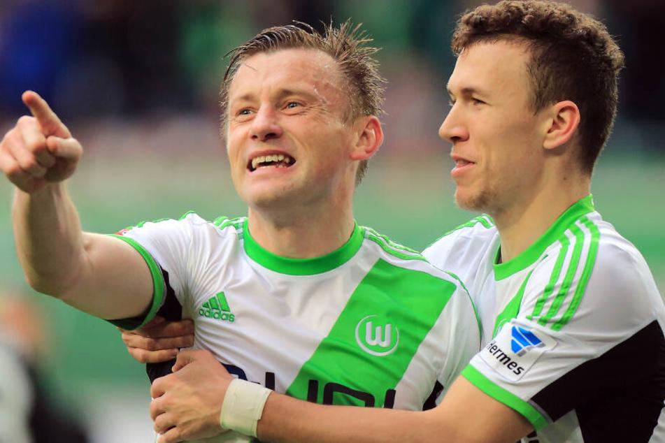 Ivica Olic (l.) hat eine sehr hohe Meinung von Ivan Perisic (r.), mit dem er beim VfL Wolfsburg spielte.