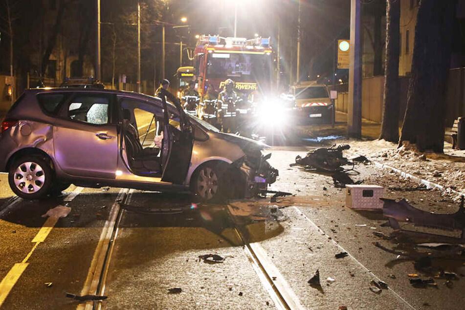 Die Bautzner Straße war für die Unfallaufnahme und die Aufräumarbeiten kurzzeitig voll gesperrt, es kam zu Behinderungen im Straßenbahnverkehr.
