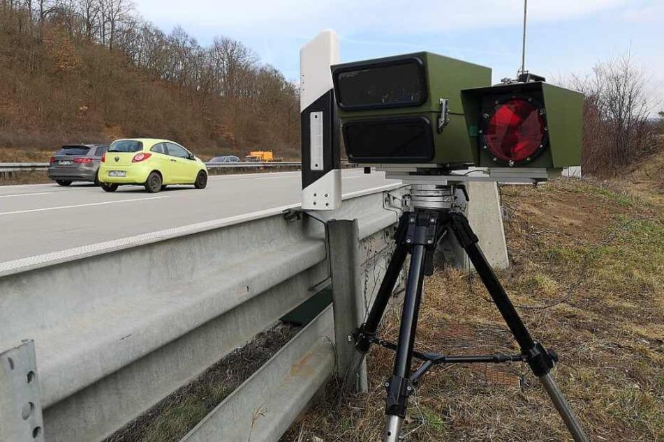 Der 23-Jährige wurde auf der A4 mit 246 km/h geblitzt. (Symbolbild)